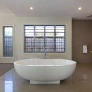 Oval bathtub | Beach Wave House