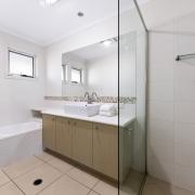 Bathroom 60 Beachway 09